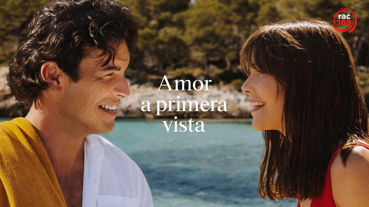 Estrella Damm torna a Menorca amb Mario Casas, Mireia Oriol, Joan Amargós i la música de Rigoberta Bandini